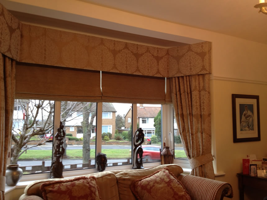 Hard Pelmet Curtains with Contrasting Roman Blinds